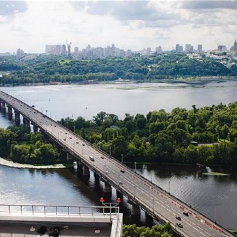 The oldest and highest bridge in Kiev