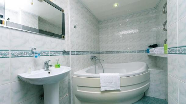 Rent daily, hourly 2 rooms. Poznyaki apartment