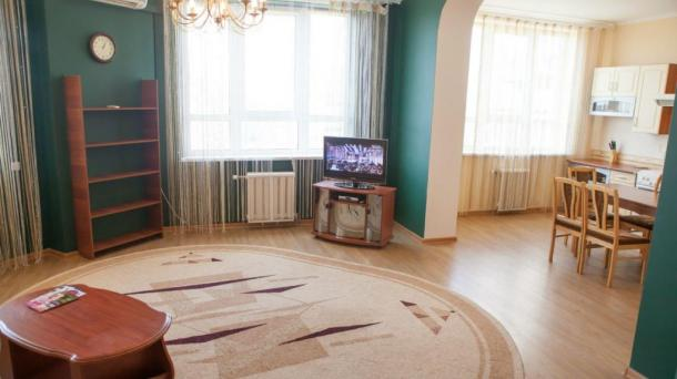 3 minutes from Metro Poznyaki 2 bedroom
