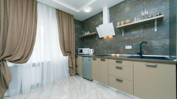 Hourly 1-by-studio near metro station