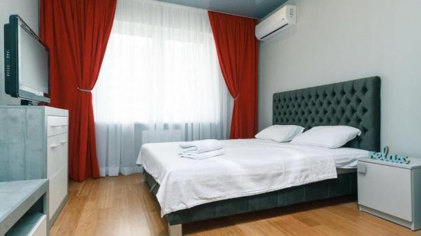 Hourly 1-COM apartment on poznyaky