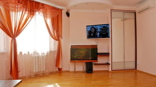 2-room apartments in a luxury house, 2 min. m. Poznyaki